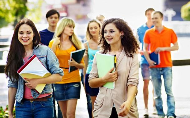 تحصیل در مقاطع مختلف در اسپانی