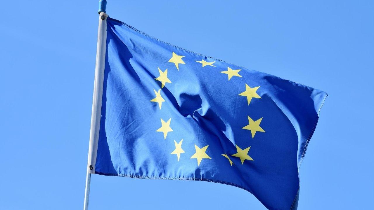 خدمات اخذ اقامت در کشورهای روسیه ، کانادا و کشورهای عضو اتحادیه اروپا